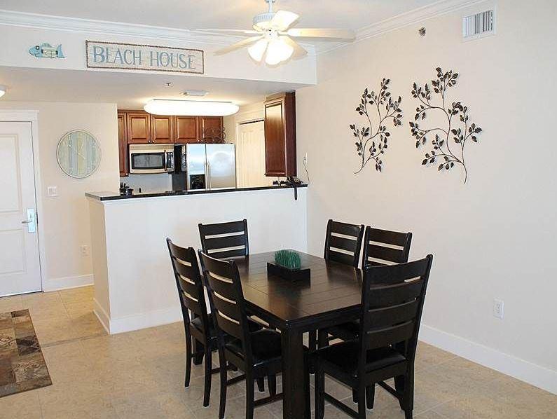 Waterscape Condo Dining Room